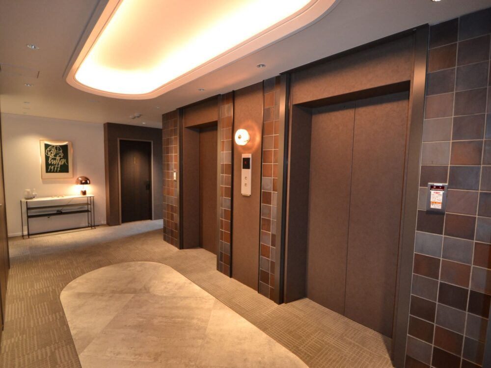 エレベーターホール1