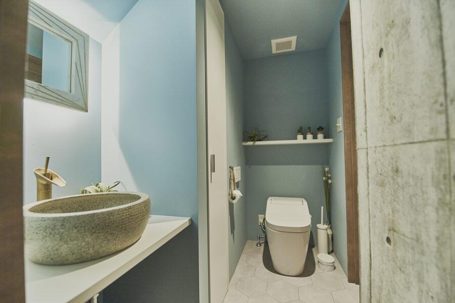 トイレは横からも撮影可